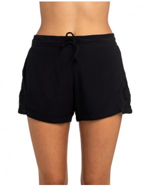 KELLY WALKSHORT